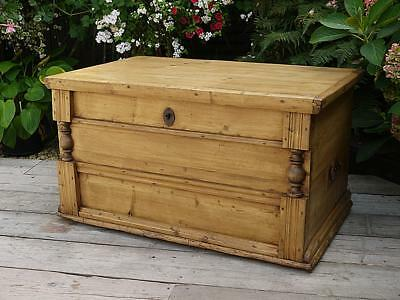 Fabulous! Old Antique/ Victorian Pine Blanket Box Chest/trunk/table/toy Storage