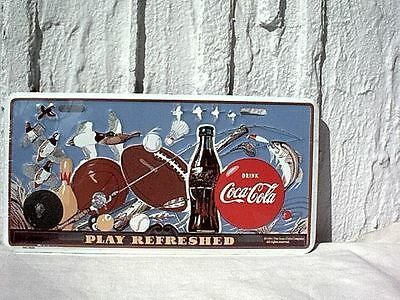 "TARGA COCA COLA in METALLO: ""PLAY REFRESHED"" -BASEBALL/BASKET/etc-ORIGINALE USA"