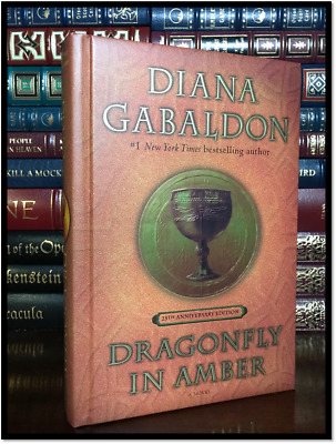 Dragonfly in Amber ✎SIGNED✎ by DIANA GABALDON New 25th Anniv. Outlander Hardback