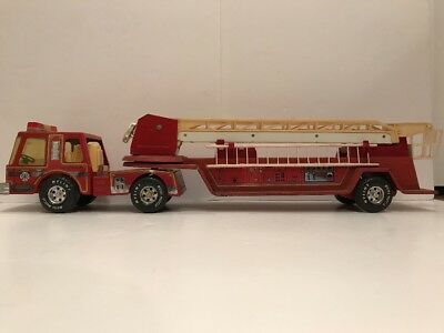 """Vintage 1980's NYLINT FIRE TRUCK AERIAL HOOK AND LADDER 32"""" LONG 61104-5491"""