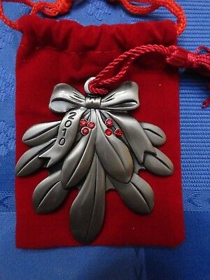 2010 AVON MISTLETOE PEWTER COLLECTIBLE ORNAMENT very Rare * Boxing day sale