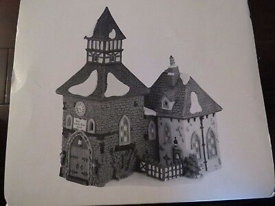 "Dept 56 Dickens Village ""THE OLDE CAMDEN TOWN CHURCH"" Christmas Carol Revisied"