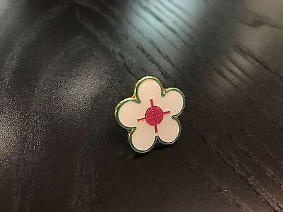 Supreme SS17 Flower Pin Automatic Keychain Uzi Chain FTP CDG TNF DSWT Box Logo S