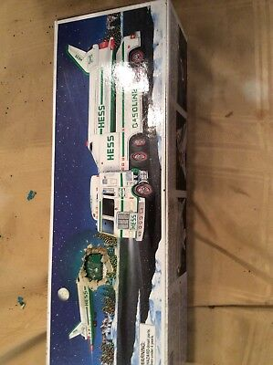 1999 Hess Truck And Space Shuttle With Satellite New