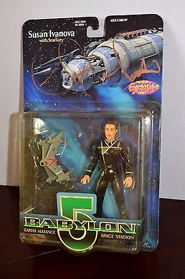 BABYLON 5 - RARE Claudia Christian *SIGNED*  - SUSAN IVANOVA - Action Figure.