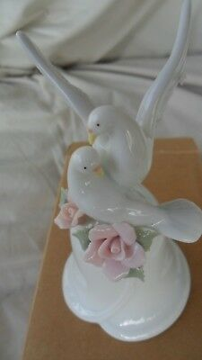 Avon  2000  Graceful  Doves  Porcelain  Bell - Nib