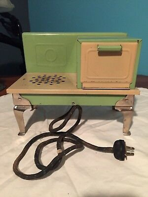 Vintage Kingston 1930 Childs Electric Toy Stove #408  Green Cream
