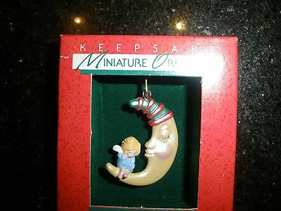 "1988 Vintage Miniature Hallmark Christmaas Ornament, ""sweet Dreams"" ~T8797"