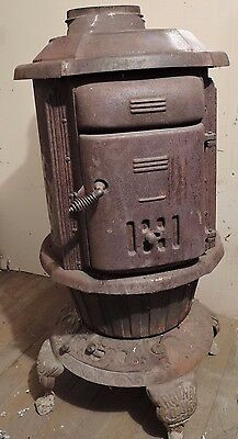 Antique ROUND OAK Cast Iron Wood Burning Stove