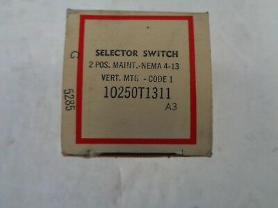 Cutler Hammer Selector Switch 2-Pos 10250T1311