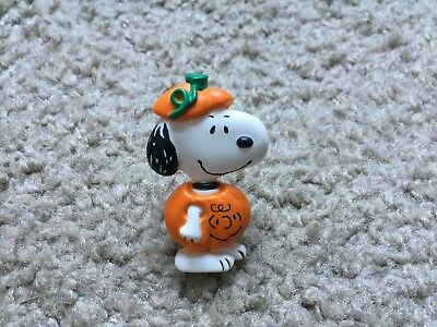 Vintage SNOOPY UFS Hallmark Great Pumpkin Pin/Broche ~PEANUTS~