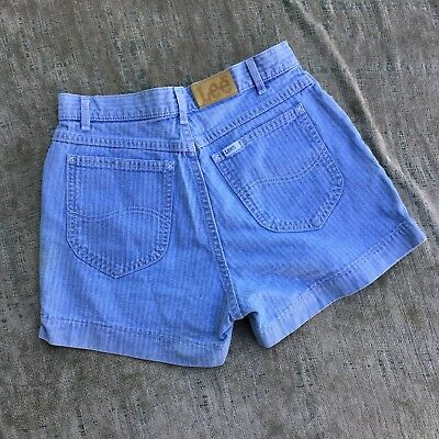 Vintage LEE Women's Light Wash Herringbone Denim Shorts Size 26 in
