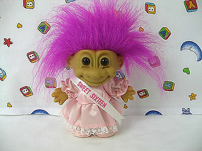 """Troll Doll Sweet Sixteen Russ 4.5"""" Troll with Shoes and Foot Label"""