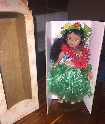 """Show Stoppers 6"""" Aloha Jointed Porcelain Collectible Doll R770 Purple"""