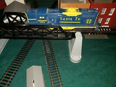 Vintage Lionel HO Scale 0594 Santa Fe GP7 Diesel With Headlights and Helic Drive