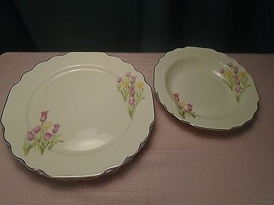 W. S. George Lido Canarytone Tulips 5584492-H 4 plates dinner 1 soup bowl Vtg