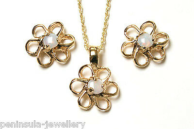 9ct Gold Opal Daisy pendant and Earring set Made in UK Gift Boxed
