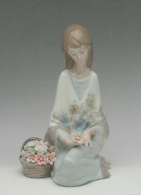Lladro #7607 Flower Song from the Collector's Society