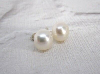 #fp9       Genuine White Freshwater Pearl 925 Sterling Silver Stud Earrings