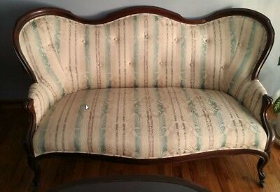 Antique Victorian Carved Settee/Loveseat/Sofa