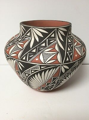 """Native American Indian Pottery Olla Acoma Pueblo 9 1/2"""" T By 11"""" Wide"""
