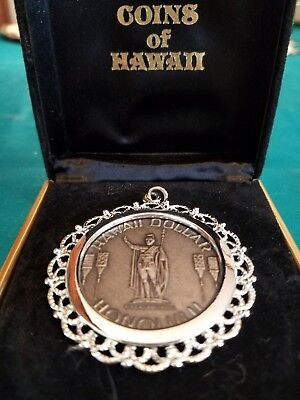 Honolulu Hawaii Dollar Commemorative Coin in necklace round mounting w/ box