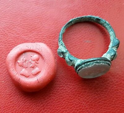 Late Medieval Uncleaned bronze signet ring with glass insert 17-18 century