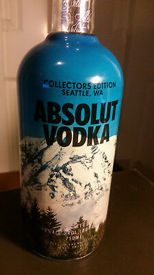 Absolut Seattle collectors edition Mt Rainier bottle VERY HARD TO FIND