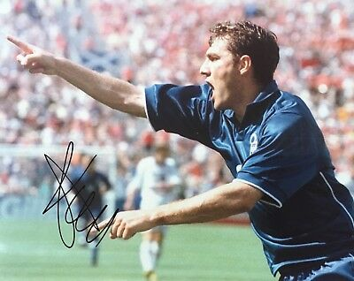 Christian Vieri signed 10x8 Italy photo Image E UACC Registered dealer AFTAL COA