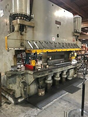 500 Ton Brake Press-Pacific, Extended Bed. Hooked up and Operating