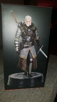 The witcher Wild Hunt Statue