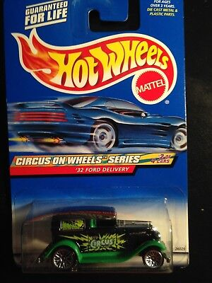 2000 Hot Wheels '32 Ford Delivery Circus on Wheels card # 026