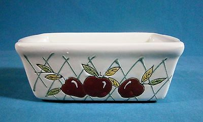 Bed Bath & Beyond Heavy White Ceramic Dish Decorated With Apples Pre-owned Nice