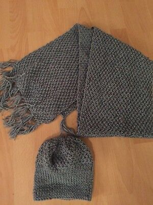 Ladies/girls  Knitted Set Hat And Scarf / Hand Made