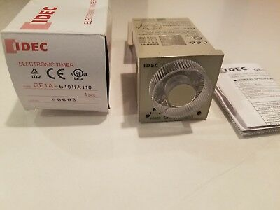 IDEC Electronic Timer GE1A-B10HA110 - New In Box