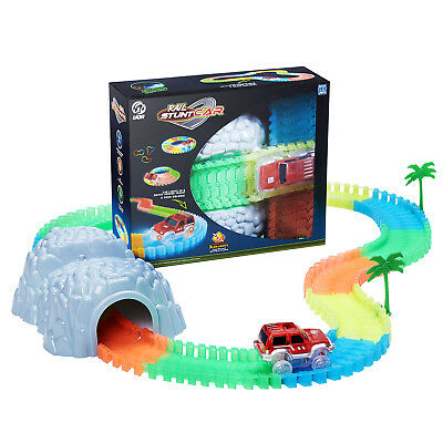 Magic Tracks The Amazing Racetrack that Can Bend, Flex & Glow 160PCS W/Tunnel