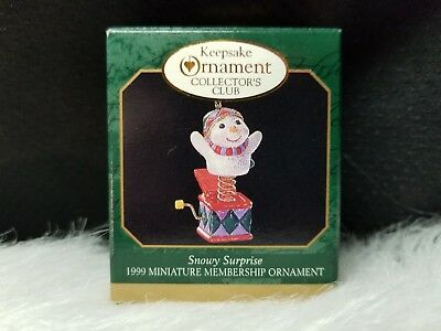 1999 Hallmark Keepsake Ornament Snowy Surprise