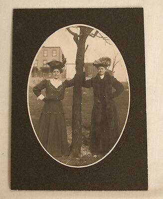 Antique Photo Oval Snapshot Turn Of The Century Fancy Ladies (2073)