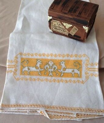 Vintage Antique ASSISI Hand Embroidered Drawnwork Lace Italian Linen Hand Towel