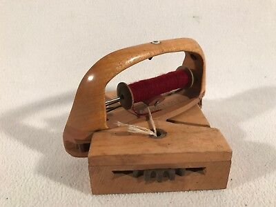 Antique Robert G Pratt Curved Maple Wood Sewing Geared Loom Shuttle Bobbin 4x4.5