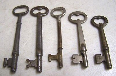 Vintage Lot Of 5 Old Metal Skeleton Keys Door Cabinet Lock Steampunk  Solid End