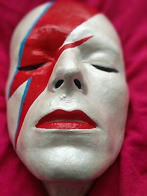 David Bowie life mask Ziggy Stardust Aladdin Sane Man Who Fell to Earth (1975)