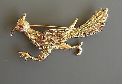 Vintage Road Runner Brooch In Gold Tone Metal With Crystal.