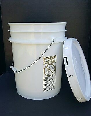 New 5 Gallon Bucket Pail + Solid Lid (Lot of 2)  Food Grade 90 Mil White Handle