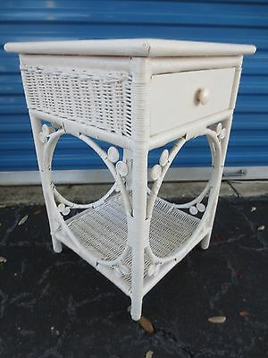 white Peacock Wicker Nightstand Shabby Chic Cottage Bed Table Victorian STY