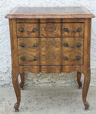 Vtg Louis XV Style Country French Nightstand Oak Medium Wood Tone Chest LA AREA