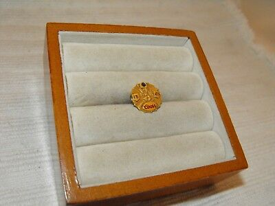 Vintage Coors Beer Brewing Award Pin 15 Years Service 14k Yellow Gold Rare Lion