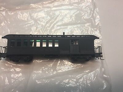 HOn3 Soho and Co. Denver and Rio Grande Western D&RGW Combine #209 Green Paint
