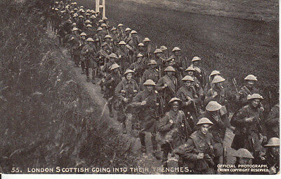 """WW1 London Scottish going into their trenches """"Daily Mail"""" War Pictures"""