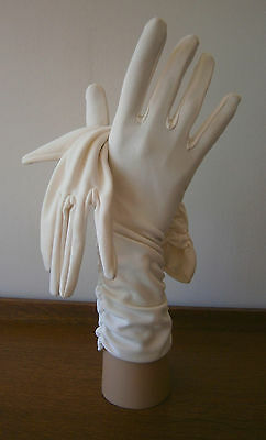 VINTAGE 1960s 3/4 LENGTH IVORY RUCHED STRETCH NYLON GLOVES WEDDING GOODWOOD